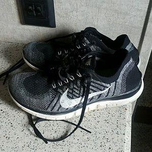 USED Nike Free 4.0